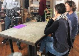 Max und Elisabeth bei der Olivenöl Verkostung vor der Kamera mit Stephanie Mitterruttzner